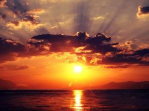 a_beutiful_sunset_in_greece______by_oofallenangelloo-d5beilu